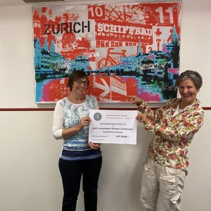 Barbara Blanc, Governor 2019/20 und Susan Peter, Geschäftsführerin Stiftung Frauenhaus Zürich