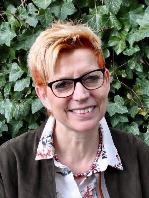 Daniela Voegele, Sekretärin